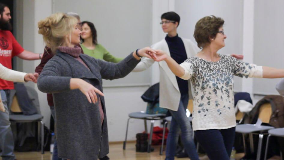 Probe der Tanzgruppe zu den Rokoko-Festspielen in Ansbach