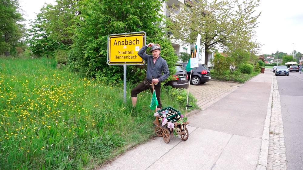 Der Sachse Lukas beim Maiwandern.