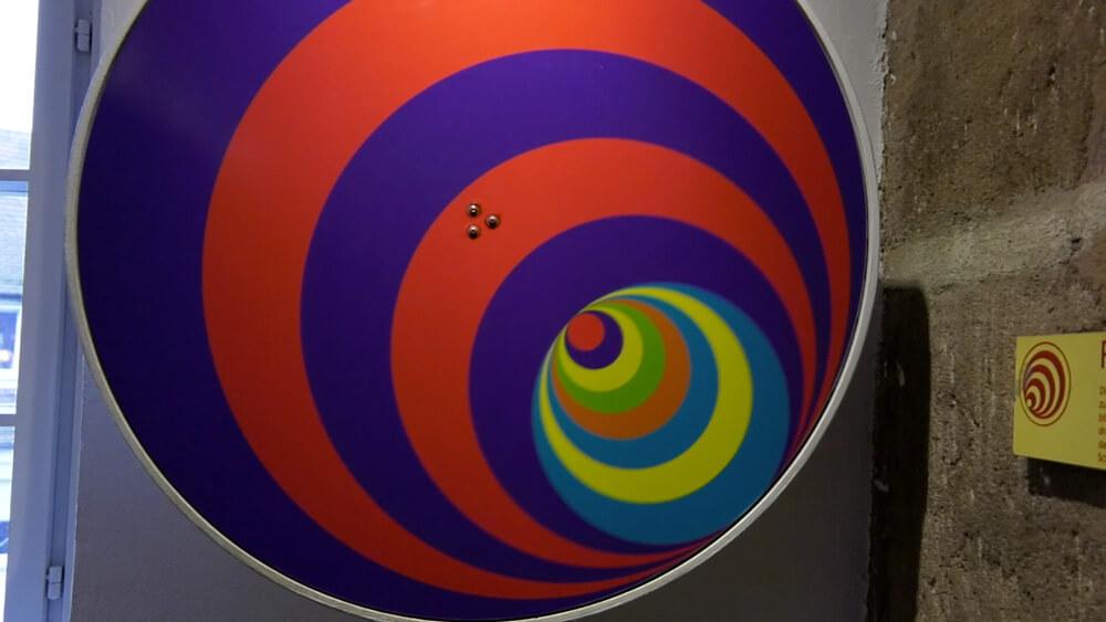 Optische Täuschungen im Turm der Sinne in Nürnberg