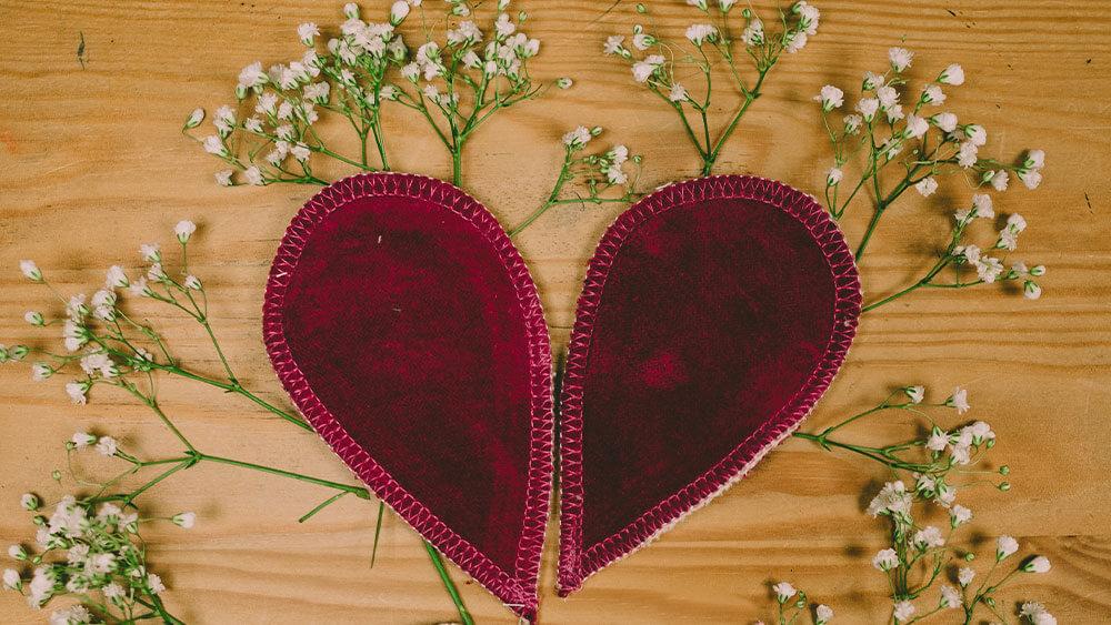 Ein Foto von Binden in Herzform