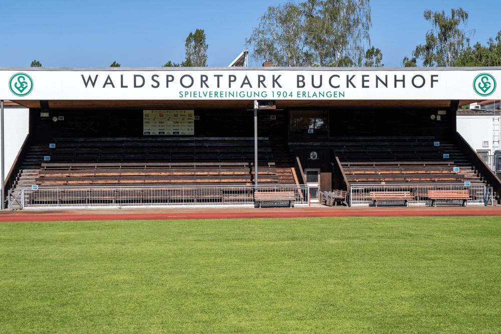 Der Waldsportpark Buckenhof ist die Heimstätte der SpVgg Erlangen