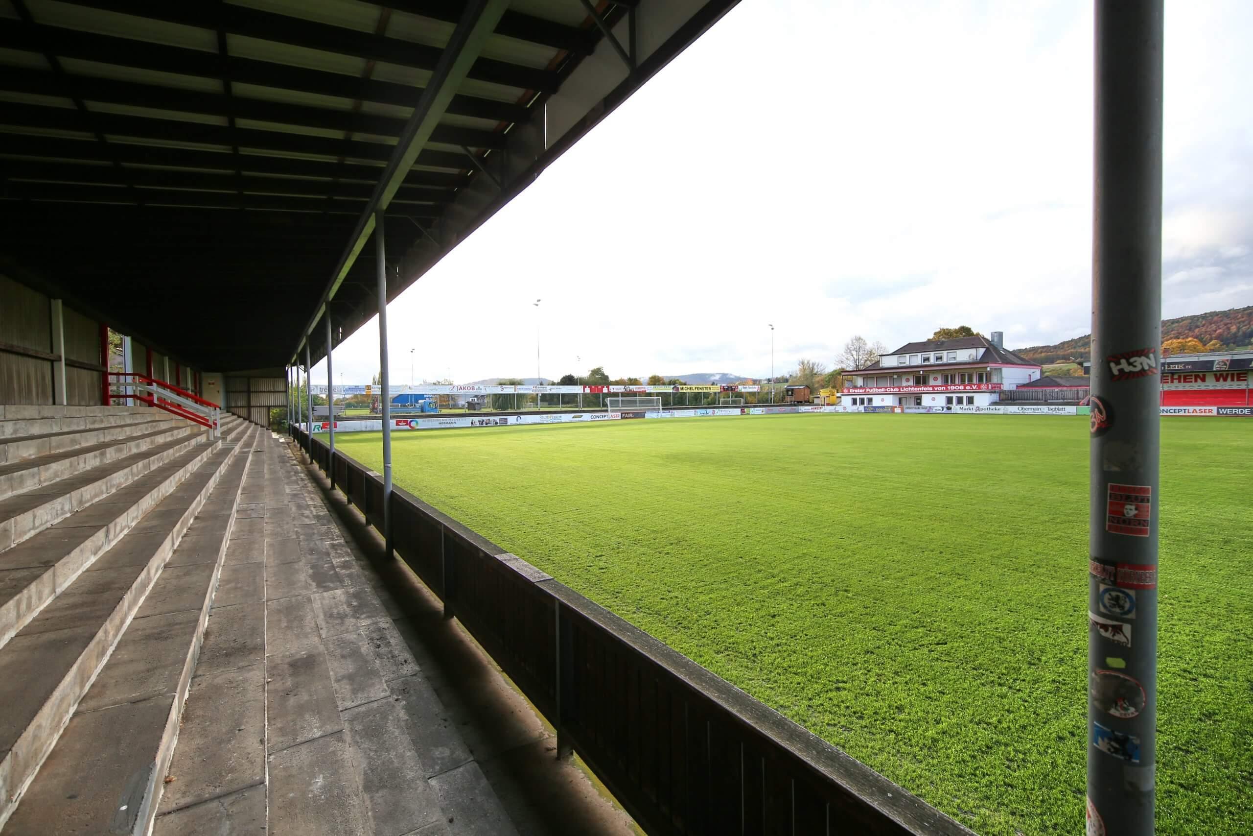 Das Karl-Fleschutz-Stadion ist die Heimat des 1. FC Lichtenfels